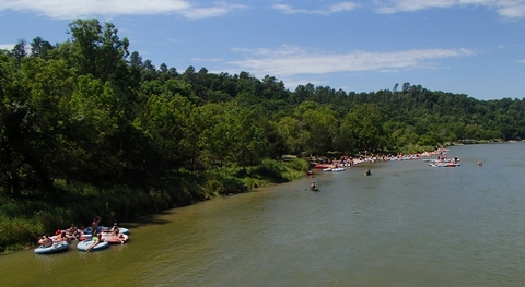 Tubers congregate at Smith Falls State ParkOn Saturdays, the Niobrara National Scenic River is a great place to meet hundreds of other tubers.