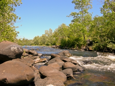 Fast Water on the St. Croix River.There are opportunities to paddle stretches of fast and slow water on the Riverway.