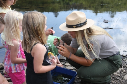 Park Ranger - Upper Delaware Scenic and Recreational RiverA Park Ranger shows children the wonders of nature