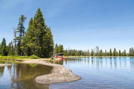 Lewis Lake CampgroundA view of Lewis Lake