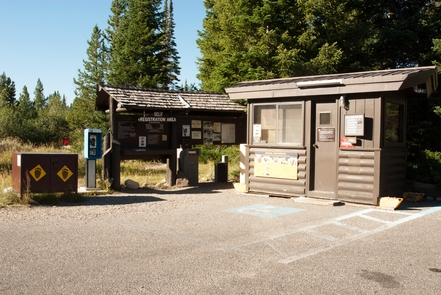 Jenny Lake Campground KioskVisitors of all abilities have a multitude of options for exploring the Jenny Lake area. Take a boat ride, set up a picnic on the lakeshore, go for a wildlife-spotting walk, or cycle along Teton Park Road using the multi-use pathway that extends from South Jenny Lake all the way to the town of Jackson.