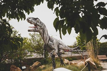 Outdoor Exhibit Utah Field HouseKids will love the collection of full-size dinosaur replicas. 17 full-size replicas of prehistoric animals range in age from the Pennsylvanian through the Pleistocene.